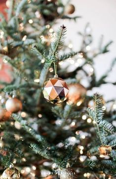 Christmas Aesthetic for Home – Cozy Xmas Decorations Ideas. Looking for inspiration and a great mood with Christmas aesthetic ideas? Save my collection of these Christmas tree ideas, Xmas lights aesthetic, wallpaper and cozy home decorations. Christmas Mood, Merry Little Christmas, Noel Christmas, Vintage Christmas, Rose Gold Christmas Tree, Christmas Ideas, Christmas Tumblr, Instagram Christmas, Christmas Quotes