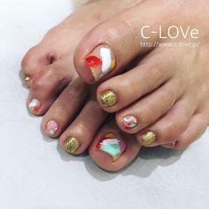 ▷ LOS MEJORES 170 DISEÑOS DE UÑAS PARA LOS PIES ⭐️ Toe Nail Designs, Toe Nail Art, Diy Nails, Nail Art Designs, Nail Decorations, Pom Pom Rug, Nailed It, Pedicures, Pedicure