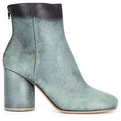 Maison Margiela distressed effect ankle boots (24 135 UAH) ❤ liked on Polyvore featuring shoes, boots, ankle booties, green, short leather boots, leather bootie, leather ankle booties, ankle boots and green booties
