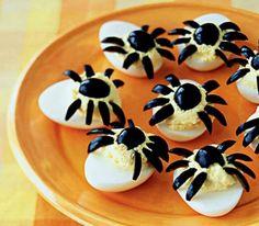 Halloween, des oeufs araignées en apéro