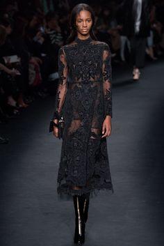 Valentino Fall 2015 Ready-to-Wear Fashion Show - Paula Galecka (Viva)