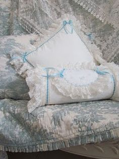 6 Beautiful Clever Ideas: Shabby Chic Bedroom Headboard shabby chic chairs old doors.Shabby Chic Desk Old Doors. Shabby Chic Office, Shabby Chic Porch, Shabby Chic Chairs, Shabby Chic Pillows, Shabby Chic Living Room, Shabby Chic Interiors, Chic Bedding, Shabby Chic Cottage, Shabby Chic Homes