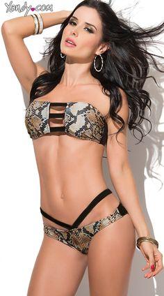 Purchase this exclusive sexy Snake Print Bandeau Bikini at Yandy. Bathing Suits Hot, Bathing Suits One Piece, Sexy Poses, Bandeau Bikini, Sexy Bikini, Bikini Set, Beach Costume, Camo Swimsuit, Hommes Sexy
