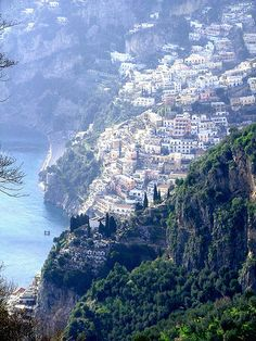 Positano, Amalfi Coast, Italy How did they build these places? Positano, Amalfi Coast, Italy How did they build these places? Places To Travel, Places To See, Travel Destinations, Dream Vacations, Vacation Spots, Wonderful Places, Beautiful Places, Beautiful Pictures, Cool Photos