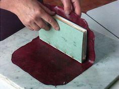 bookbinding: full leather binding with goatskin by Angela Sutton Handmade Journals, Handmade Books, Homemade Journal, Bookbinding Tutorial, Bookbinding Ideas, Leather Bound Books, Leather Book Binding, Book Repair, Blank Book