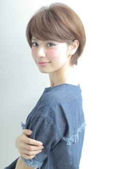 Are you looking for a charming hairstyle for your short hairstyle? You should give an eye to the collection we have got in here. Have a look! Short Choppy Hair, Korean Short Hair, Short Hair Cuts, Fringe Hairstyles, Short Hairstyles For Women, Pretty Hairstyles, Medium Hair Styles, Short Hair Styles, Japanese Hairstyle