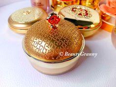 Christmas Bulbs, Cream, Holiday Decor, Beauty, Creme Caramel, Christmas Light Bulbs, Beauty Illustration
