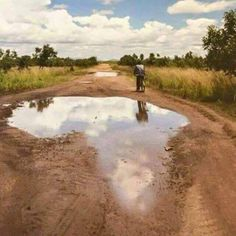 Pothole in Kabale, Uganda. Africa Map, Out Of Africa, Africa Travel, South Africa, Kenya Africa, African Safari, African Art, African Women, Diani Beach