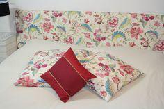 Peppen Sie Ihr Schlafzimmer auf. Mit einer Tagesdecke, ganz nach Ihren Vorstellungen und den passenden Kissen!  www.amirior.de Bed Pillows, Pillow Cases, Quilts, Blanket, Home, Fiction, Cushion, Bed Room, Pillows