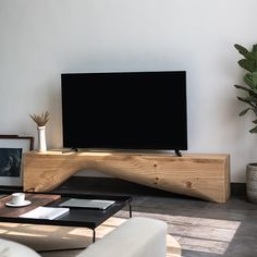 Console Tv, Tv Stand Pine, Tv Wall Mount Designs, Rustic Tv Unit, Floating Shelves Entertainment Center, Kiefer, Cottage, Wall Mounted Tv, Modern Colors