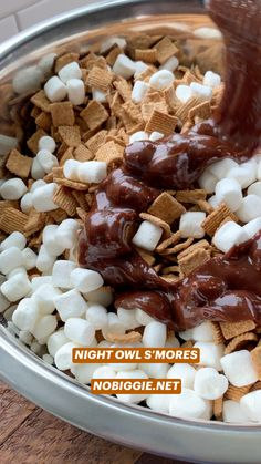 Candy Recipes, Sweet Recipes, Snack Recipes, Dessert Recipes, Snacks, No Bake Desserts, Easy Desserts, Delicious Desserts, Yummy Food