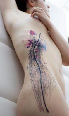 Seite Aquarell Qualle Tattoo von Dead Romanoff Tattoo
