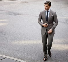 Campanha: Johannes Huebl p/ Marc Anthony Dapper Gentleman, Gentleman Style, Johannes Huebl, Informal Attire, Elegant Man, Business Outfit, Classy Men, Well Dressed Men, Wedding Suits
