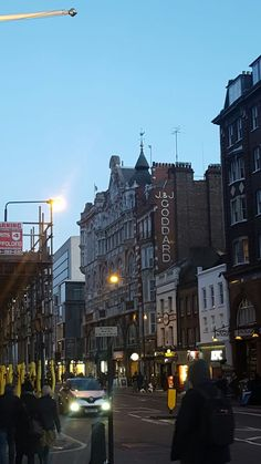 Sign O' The Times, Louvre, London, Building, Travel, Viajes, Buildings, Destinations, Traveling