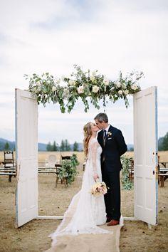 Photography: Green Door Photography - www.greendoorphotography.com/ Read More: http://www.stylemepretty.com/2014/08/18/greenough-montana-wedding-by-habitat-events/