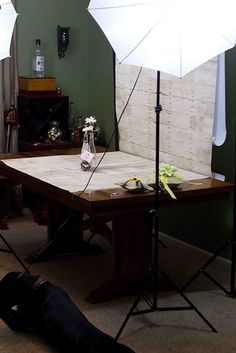 Build your own photography studio for under $200. Perfect for craft/food bloggers!