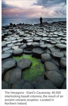 UK IRlande - The Hexagons - Giant's Causeway, interlocking basalt columns, the result of an ancient volcanic eruption. Located in Northern Ireland, it was declared a World Heritage Site by UNESCO in Places To Travel, Places To See, Travel Destinations, Dream Vacations, Vacation Spots, Vacation Travel, Solo Travel, Sightseeing London, To Infinity And Beyond