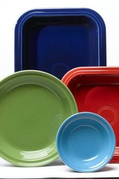 Fiesta Bakeware and Dinnerware. will definitely be registering for these when the time comes ;)