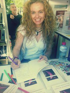Feria del libro de Madrid. EN mi gran stand casa de Huerga y Fierro. #mujer #formacion #conferencia #mujeryliderazgo #yolandasaenzdetejada #tuexperienciaiberica #mujeresoffred #marcapersonal #marcafemenina #mujerempresaria