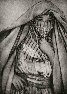 Rifeña 2, 1910 © Ortiz Echagüe / Museo Universidad de Navarra, Vegap