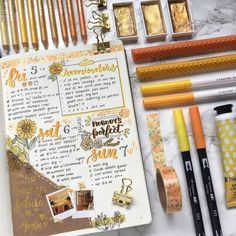Inspiration for Autumn Bullet Journal pages. If you love bullet journaling, there are tons of amazing fall bullet journal ideas you can use on your cover pages, weekly & monthly spreads and calendar layouts. Bullet Journal Planner, Bullet Journal Aesthetic, Bullet Journal Notebook, Bullet Journal Spread, Bullet Journal Inspo, Bullet Journal Layout, My Journal, Bullet Journals, Bullet Journal Junkies