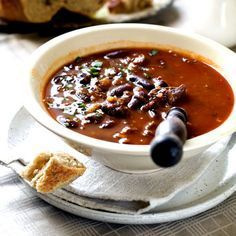 L authentique chili con carne Slow Cooker Black Beans, Slow Cooker Pork, Slow Cooker Recipes, Cooking Recipes, Healthy Recipes, Pork Chili Recipe, Chili Recipes, Soup Recipes, Organic Dinner Recipes