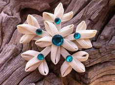 Snowflake Ribbon Sculpture Set. $6.00, via Etsy.