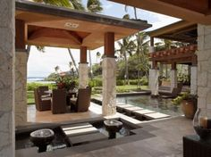 love the stepping stones from one patio to the other