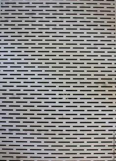 Шаблон для перфорации меховых изделий. Оргстекло с прорезями, 1мм. Размер-34х24 см, прорезь-2см. Цена-1500 руб.