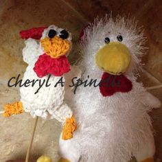 Rainbow Loom CHESTER the CHICKEN. Designed and loomed by Cheryl Spinelli. Rainbow Loom FB page. 03/13/14