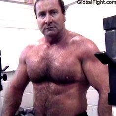 musclebear gym fitness freaks