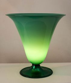 Murano table lamp in incamiciato transparent green glass with silver leaf by Venini, Venice, Italy 1930s