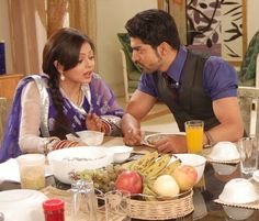 Maan and Geet figuring out about the baby Favorite Tv Shows, My Favorite Things, Gurmeet Choudhary, Classy Couple, Indian Drama, Indian Movies, Saree Dress, Best Couple, All In One