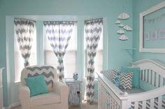 Hazlo tú mismo: Crea la habitación de tu Bebé - Algunas veces no resulta fácil crear y decorar la habitación de tu bebé, pero lo importante es que no tiene por qué costar una fortuna. Con un poco de creatividad y mucho amor puedes hacer una hermosa habitación perfecta para tu bebé. Cuarto seguro Asegúrate de que el cuarto en sí mismo es segu... #HTM=HazlotuMismo=DIY(DoityourselfenInglés) http://www.vivavive.com/hazlo-tu-mismo-crea-la-habitacion-de-tu-bebe/