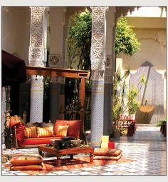 Gorgeous columns via Borsaat.