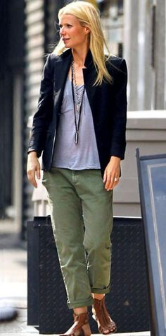 Look of the Day › August 7, 2010 WHAT SHE WORE Paltrow strolled through Manhattan in a classic blazer over a gray tee and army-green pants; she accessorized with layered necklaces and gladiator flats.