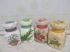 getImage (640×480) Bottles And Jars, Glass Jars, Mason Jars, Recycled Jars, Recycled Glass Bottles, Decoupage Jars, Decoupage Vintage, Bottle Painting, Bottle Art