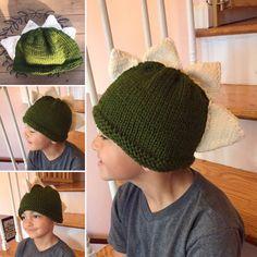 Knit Dinosaur Hat, Boy winter hat by NellysKnitBoutique on Etsy Knitted Coffee Sleeve, Boys Winter Hats, Dinosaur Hat, Coffee Cup Cozy, Animal Hats, Little Boys, Arm Warmers, Boot Cuffs, Crochet Hats