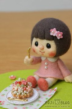 【YOJI BLOG】♥ Felt Wool Doll + gallery of other felted items from all angles!