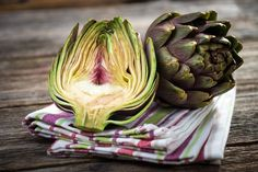 How to Cook and Eat Artichokes: Easy Roasted Artichoke Recipe - 2020 - MasterClass Roasted Artichoke Recipe, Grilled Artichoke, Artichoke Recipes, How To Cook Artichoke, Artichoke Dip, Canned Artichoke Hearts, Roasted Garlic, Gastronomia, Healthy Recipes