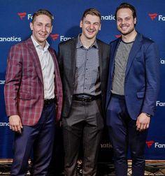 you're such a dream to me: Photo Nhl Hockey Teams, Hot Hockey Players, Ice Hockey, Toronto Maple Leafs Wallpaper, John Tavares, Field Hockey, Hot Guys, Handsome, Dumpster Fire