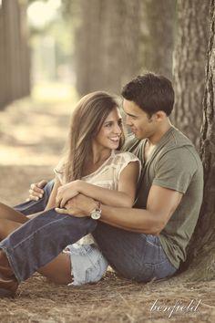 The Wedding Post of Arkansas wedding blog: Real Arkansas Engagement: Maeve + Taylor