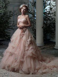 Ein Traum von #Hochzeitskleid im zarten #rosé