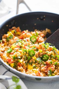 Low Carb Mexican Cauliflower Rice is a healthy, paleo friendly, keto friendly, vegan side dish recipe that is bursting with mexican flavours and ready in 30 minutes! 15 Mouth Watering Low Carb Side…More 8 Awesome Keto Friendly Side Dish Recipes Vegan Side Dishes, Low Carb Side Dishes, Side Dish Recipes, Food Dishes, Main Dishes, Mexican Food Recipes, Low Carb Recipes, Vegetarian Recipes, Healthy Recipes