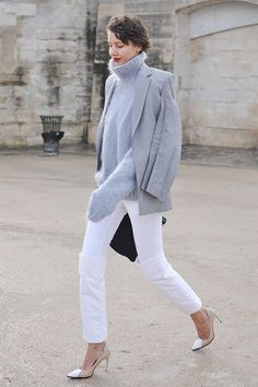 white hot fresh denim for winter. 寒冬街拍必備:純白牛仔褲   Popbee - 線上時尚生活雜誌