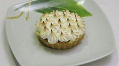 Citronový koláč se sněhovými pusinkami.