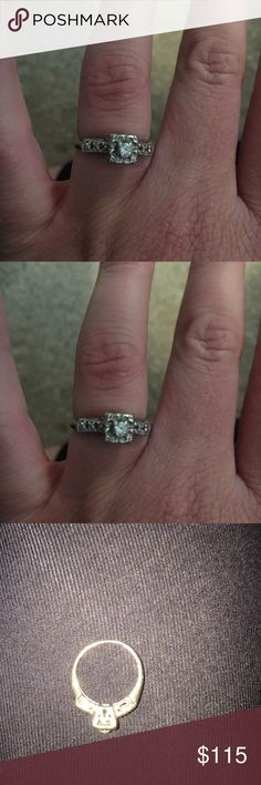 Vintage engagement ring Was given to me by a family member, vintage engagement ring with diamonds Jewelry Rings