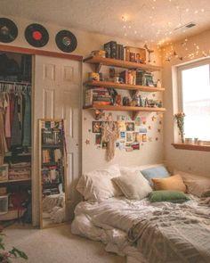 Elegant Equipment Home Design Concepts Make Your Bed room Greatest 13 Retro Room, Vintage Room, Bedroom Vintage, Vintage Decor, Room Ideas Bedroom, Bedroom Inspo, Bedroom Designs, Parisian Bedroom Decor, Girls Bedroom