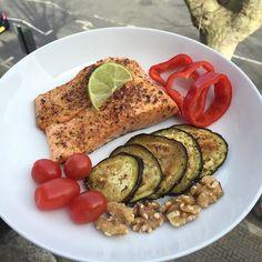 Now that's #LeanIn15 #fitness #Food #Nutrition #TheBodyCoach Quick Healthy Meals, Healthy Eating Recipes, Healthy Options, Healthy Fats, Bodycoach Recipes, Joe Wicks Recipes, Cooking Recipes, Complete Nutrition, Diet And Nutrition