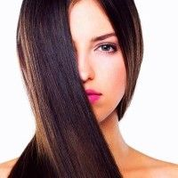 Rimedi naturali efficaci per lisciare i capelli